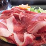 贅沢に!ランチで、牛すき焼きのお肉W(ダボォー)943円
