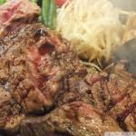 メガビーフステーキ1980円 肉重量500gのドカーンと巨大ステーキ!